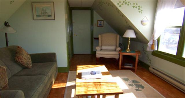 the millstones bed and breakfast shelburne nova scotia north america. Black Bedroom Furniture Sets. Home Design Ideas